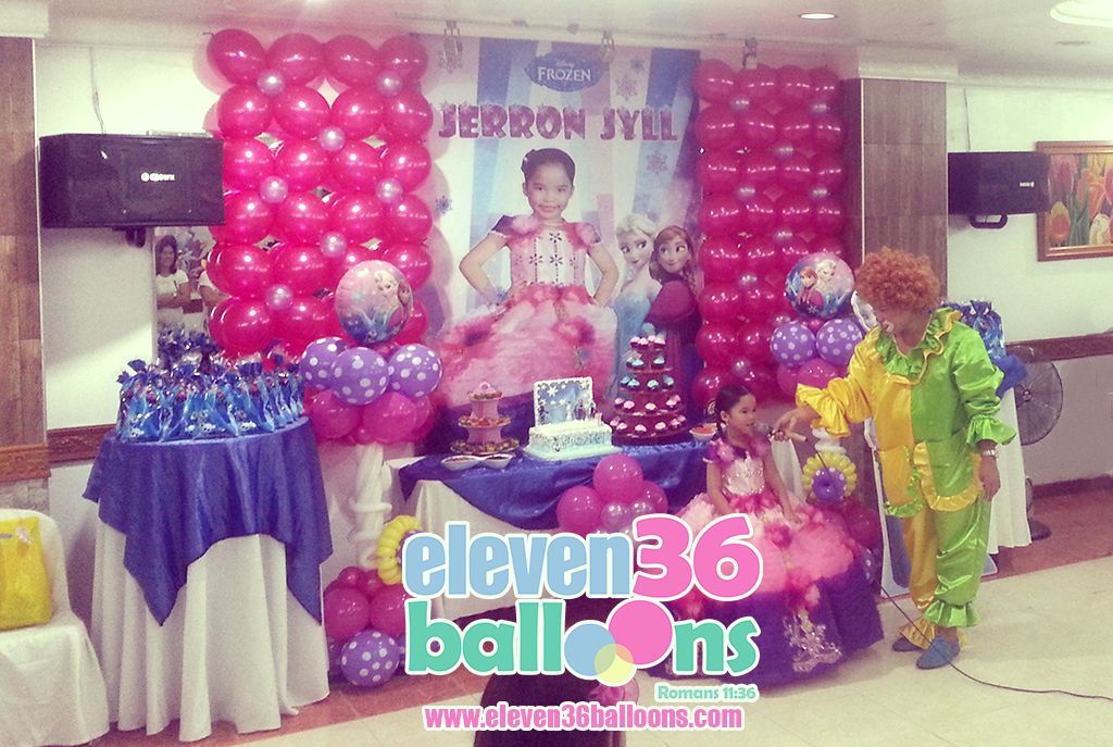 jerron_jyll_frozen_theme_party_clown_balloon_arrangement_eleven36_balloons_cebu